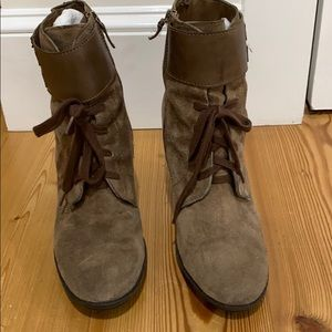 Franco Sarto suede lace up ankle boots 9M